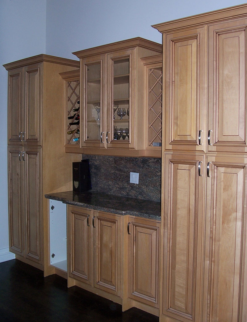 Butler Pantry Before
