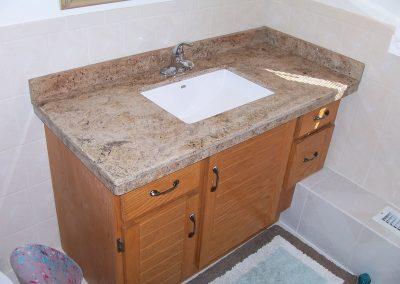 Bathroom Counters & Backsplash