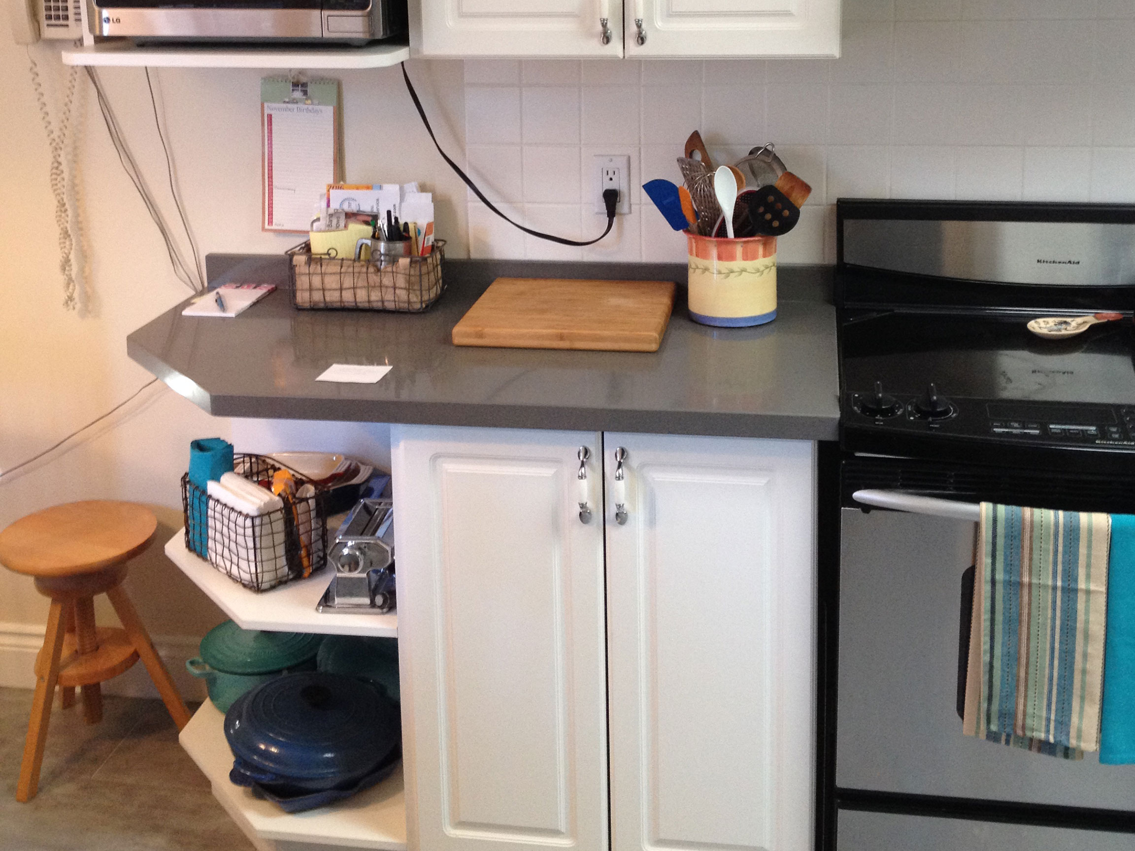 Kitchen Cabinet Reface Next To Stove Before