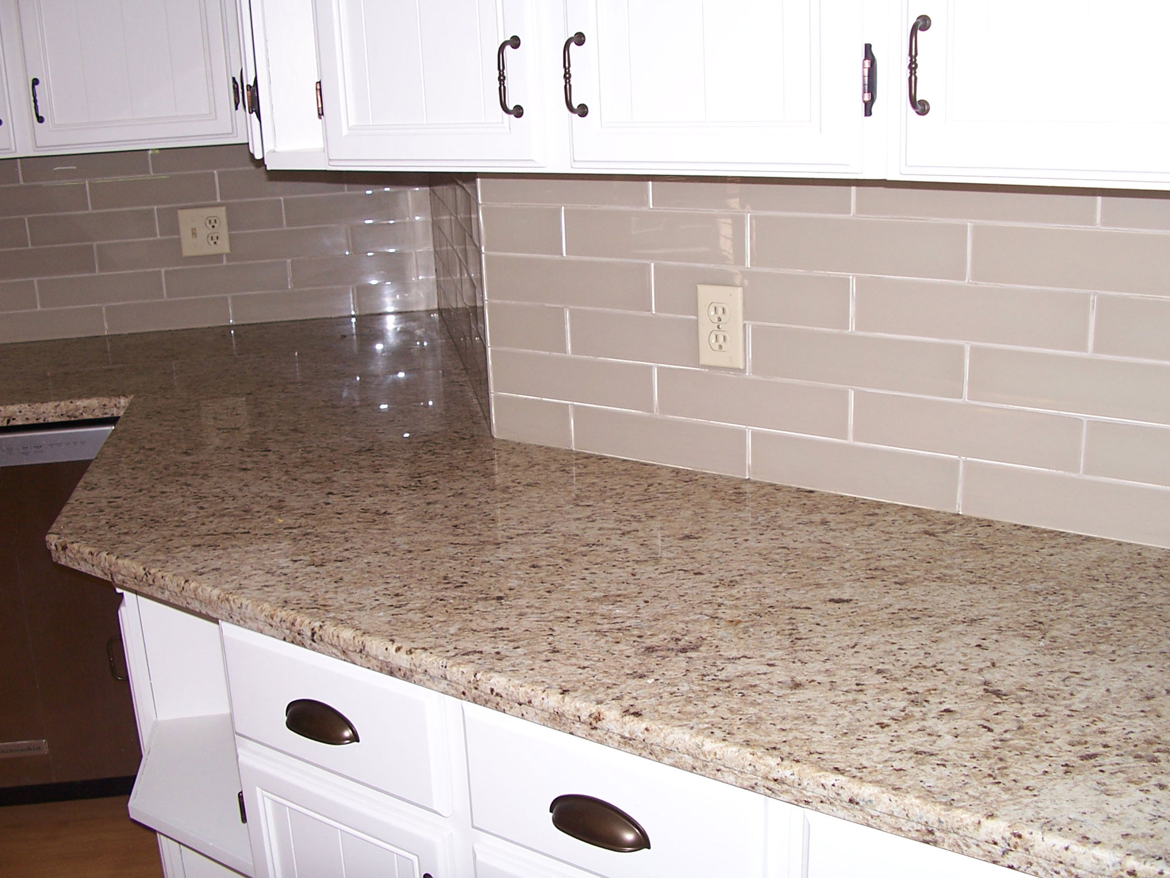Recoulour Counter Backsplash After